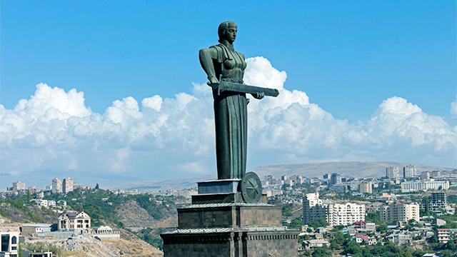 Monument «Mutter Armenien» in der Hauptstadt Jerewan