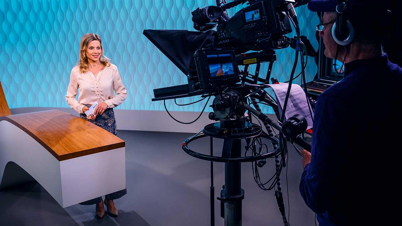 Magazin-Moderatorin Aline Baumann